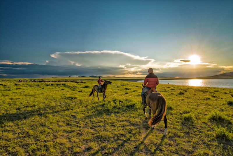 8 Destinations for Your Next Horseback Riding Vacation